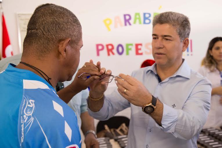 Grupo lança programa para baixa renda com óculos de grau por R  60     Jornal Oeste a0cc79769e